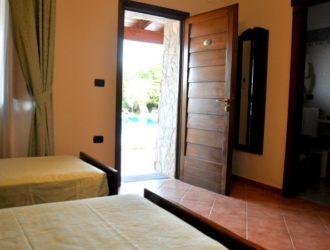 quadrupla-standard-hotel-albergo-le-pajare-nel-salento-12-723x450[1]