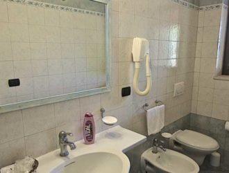 camera-matrimoniale-dus-salento-hotel-masseria-stanze-e-giardino-5-1140x450[1]