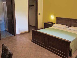 camera-superior-salento-hotel-masseria-stanze-e-giardino-5-1140x450[1]