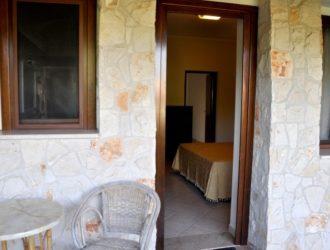 superior-bilocale-albergo-salento-presicce-vacanze-famiglia-lido-marini-7-723x450[1]